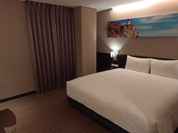 golden-pacific-room